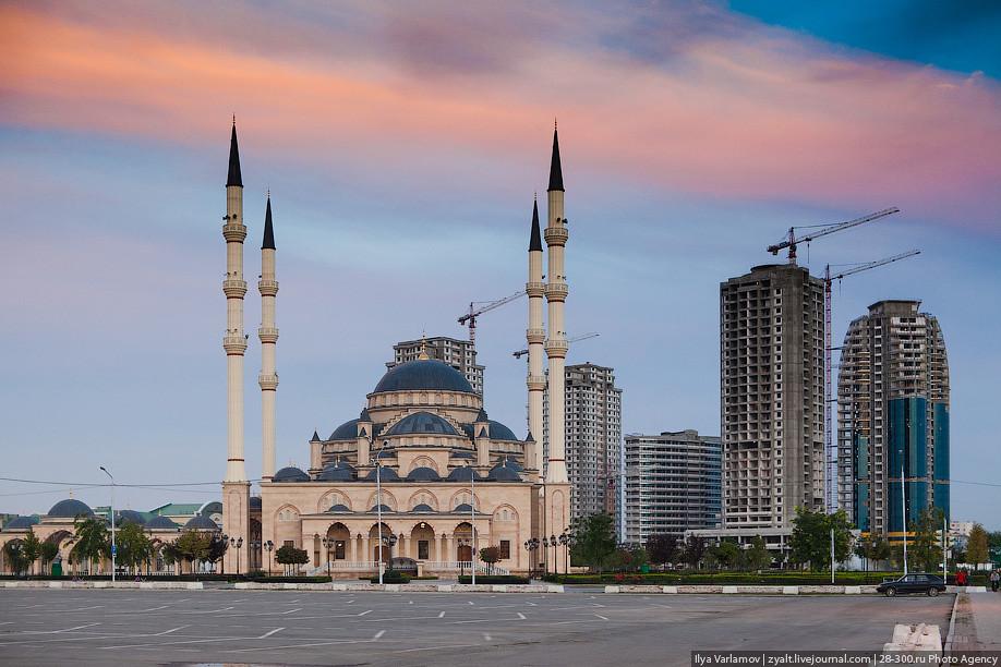 Čečensko sa už nebúri, no Rusku sa vzďaľuje. Nastupujú islamské normy