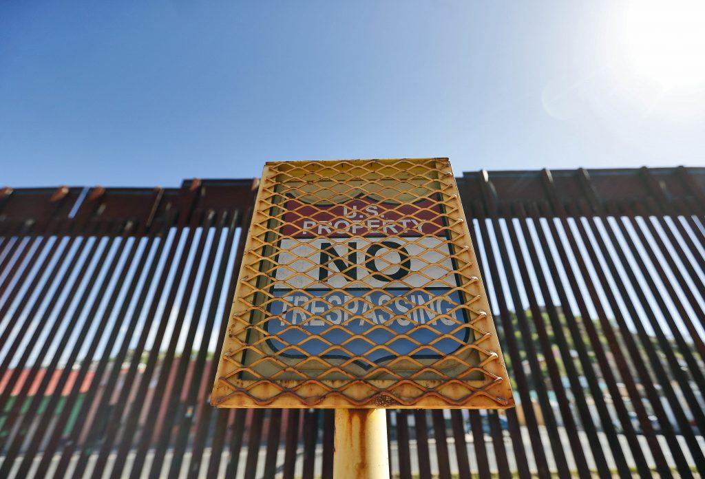 Klietky pre deti migrantov aj za Bidena? Nie je to to isté, vraví jeho vláda