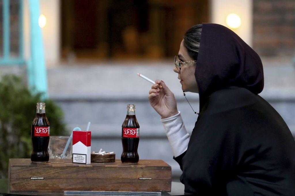 Buďte menej bieli, odporúčala Coca-Cola zamestnancom na anti-rasistickom školení