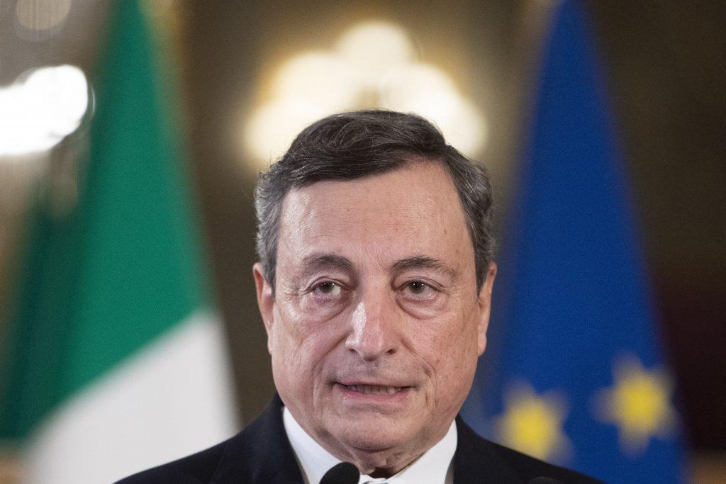 Mario Draghi stále čaká, či bude premiérom. Hlasovanie sa odložilo