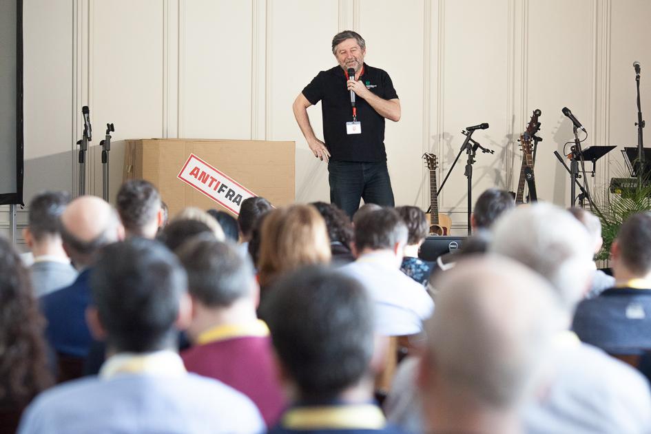 Kresťanskí podnikatelia organizujú online konferenciu. Hľadajú východisko z neistoty