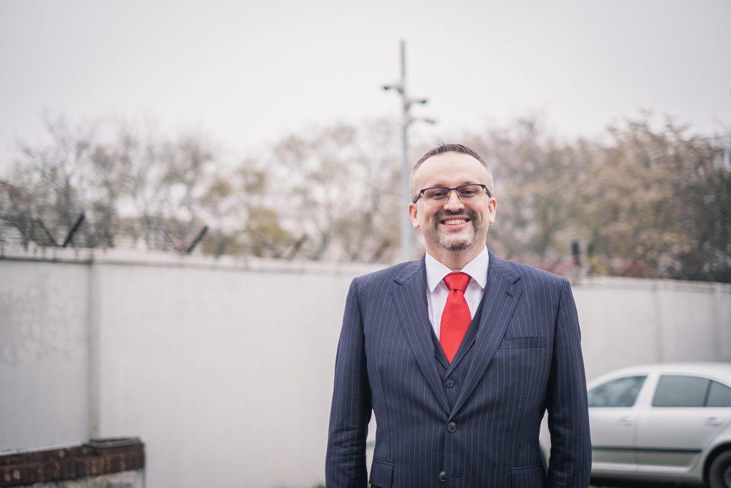 Riaditeľ SIS Pčolinský: Bývalá vláda si tajnú službu podelila