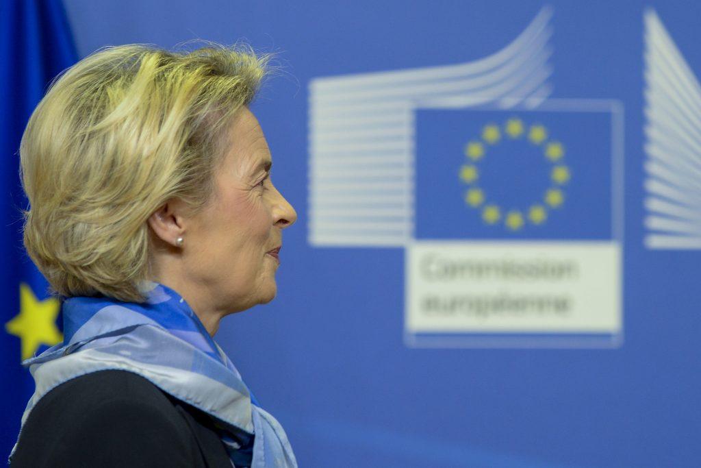 Vakcinačné zlyhanie šéfky eurokomisie a prekvapivý úspech ruskej vakcíny
