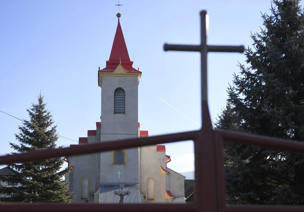 Sčítanie obyvateľov sprevádzajú útoky, tvrdia katolícki biskupi, evanjelický biskup sa pridáva