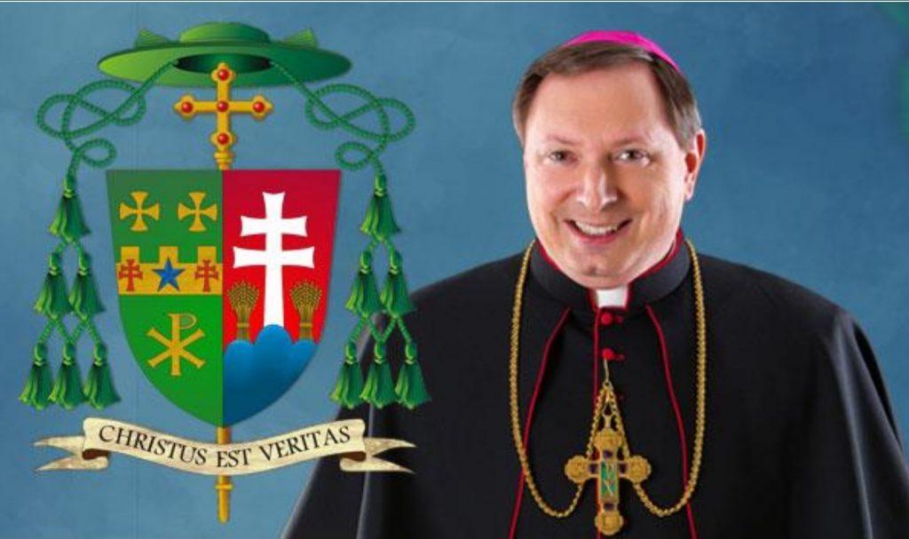 Americký biskup Kulick sa hlási k slovenskému pôvodu. V erbe má dvojkríž