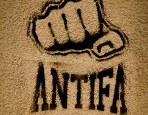 Čo je to antifa. Nebezpečenstvo jej ideológie