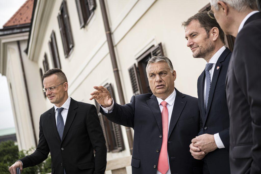 Orbán nám pomohol získať dva milióny ruských vakcín, vraví Matovič