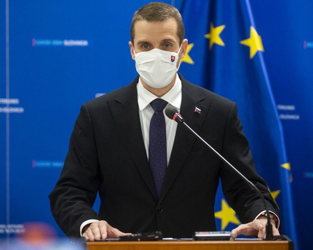 Klus: EÚ predstaví digitálny covid pas. Diskrimináciu zaočkovaných Sputnikom odmietame