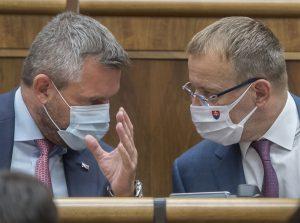 Pellegrini: Premiér sa skrýva pod lopúchom a nedokáže riešiť vládne spory. Kollár premiéra podržal