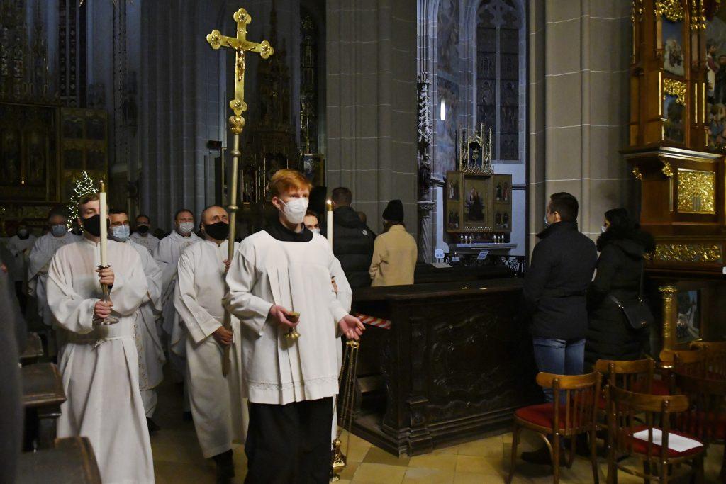 Americký konzervatívec o Európe v pandémii: Vlády vnímajú náboženstvo ako hrozbu, alebo ešte horšie, ako nepodstatnú aktivitu
