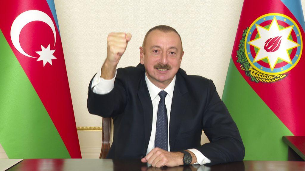 Oponentovi Baku sa v centre francúzskeho mesta za bieleho dňa pokúsili vyrezať jazyk