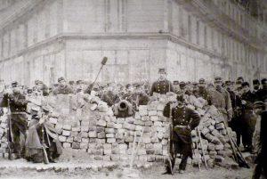 Parížska komúna, prvý krvavý pokus o raj na zemi, hlási 150. výročie