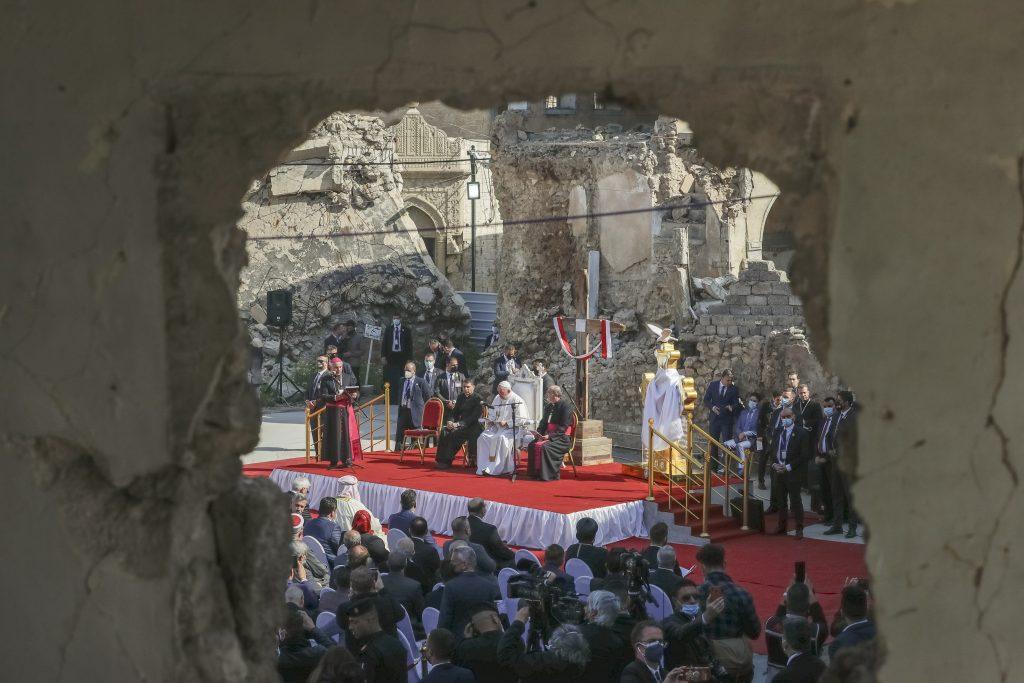 Pápežova historická cesta do Iraku. Zastal sa jezídov, kresťanov a otvoril dialóg s tamojším islamom