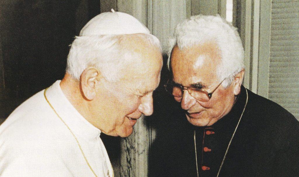 Pavol Hnilica – biskup umlčanej Cirkvi, ktorý si tykal s pápežom. Na margo jeho storočnice