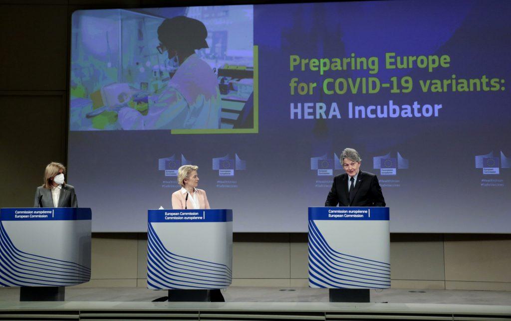 Kritika EÚ je urážkou božstva. Alebo ako v debate o očkovaní zlyhali médiá
