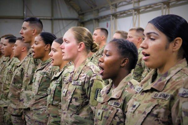 Armáda USA zvažuje rušiť unisex telesné skúšky. Ženy majú vysokú mieru neúspešnosti