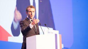 S vidinou prezidentských volieb Macron odmieta lockdown, ignoruje vedcov
