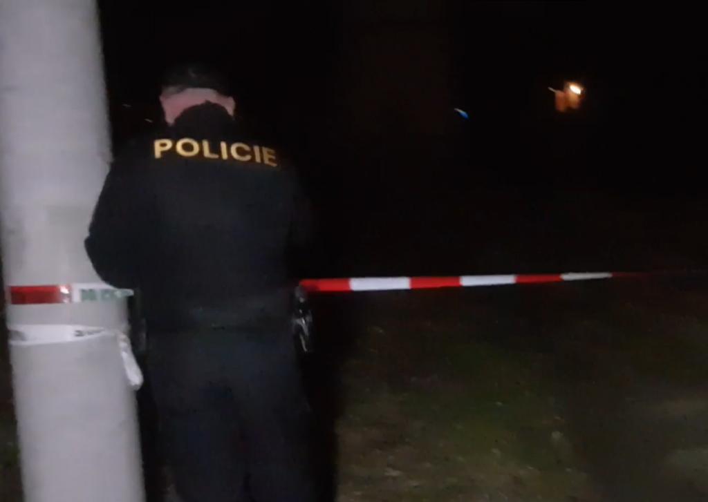Čech zastrelil vo svojom dome vraha a narkomana.  Ľudia sa ho zastali