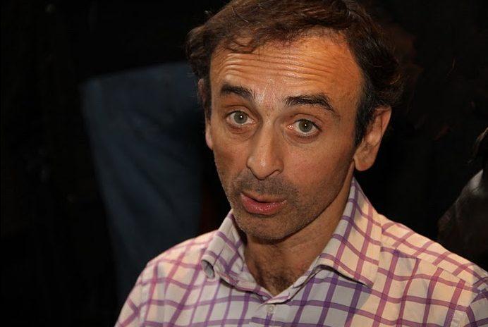Kto je Éric Zemmour a mohol by byť francúzsky prezident?