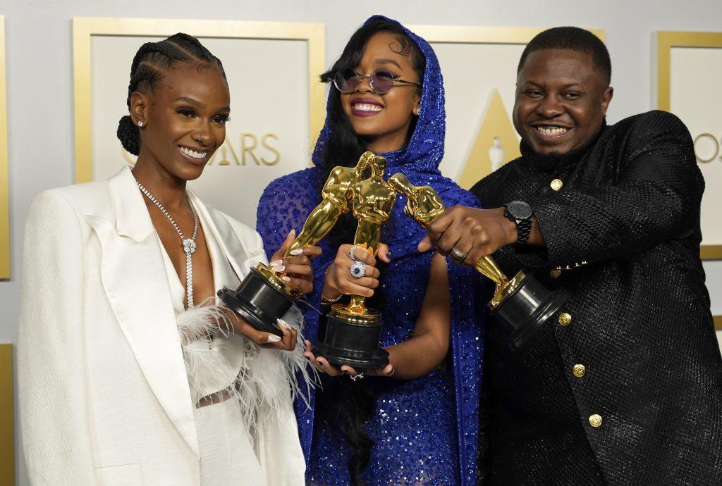 Oscary: Najmenej divákov v histórii, najslabšie hodnotenie a varovanie producenta, že politika nepredáva