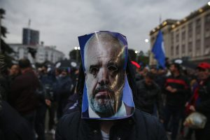 Reportáž z Albánska, kde vládne umelec Edi