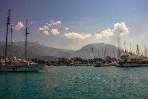 Európska únia nepomôže Čiernej Hore so splácaním astronomickej čínskej pôžičky