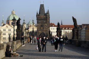 Česká polícia zadržala päť ľudí. Podozrieva ich z výjazdov na Ukrajinu a spolupráce s ruskými agentmi