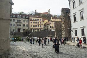 Veriaci naprieč Slovenskom sa modlili za obnovenie verejných bohoslužieb