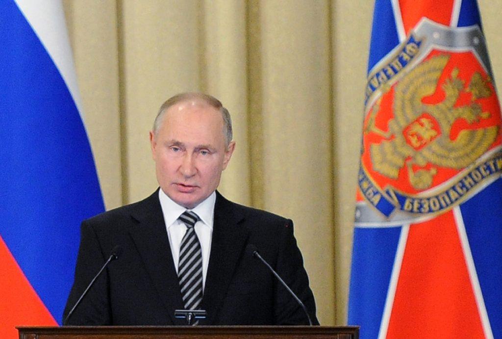 Putin podpísal zákon, ktorý mu umožňuje kandidovať na prezidenta ešte dvakrát
