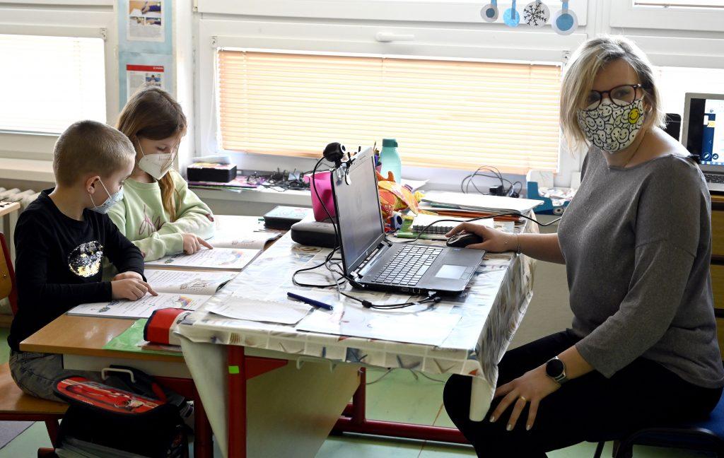 Od pondelka sa otvára prvý stupeň základných škôl aj materské