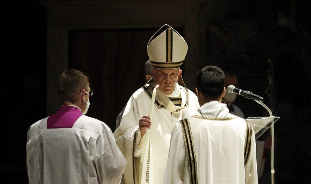 Vo Vatikáne vrcholia Veľkonočný týždeň i veľké kauzy
