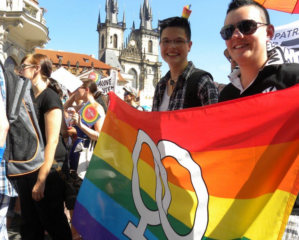 Česká vláda chce pre LGBT meniť trestný zákon. Jochová: Vynucujú si rešpekt silou, je to cesta k totalite