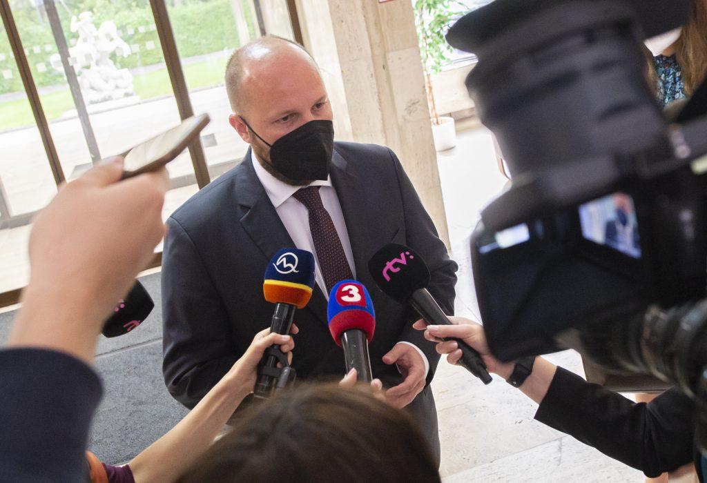 Kauzy sexuálnych obvinení: Progresívka kritizuje reakciu Heráka z OĽaNO. Vážte slová, odkazuje Naď