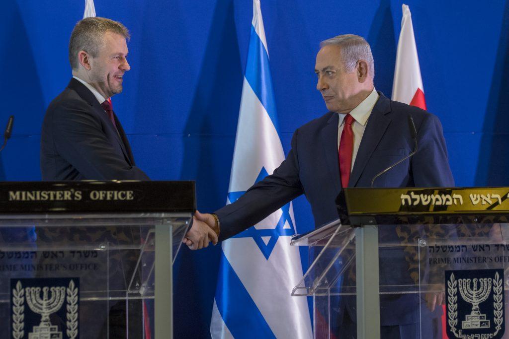 Vláda aj Hlas podporujú Izrael. Progresívci ho kritizujú, hovoria o nacionalizme
