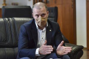 Šéf polície Kovařík: Žiadnu vojnu medzi nami nevidím. Len sa bulvarizuje situácia