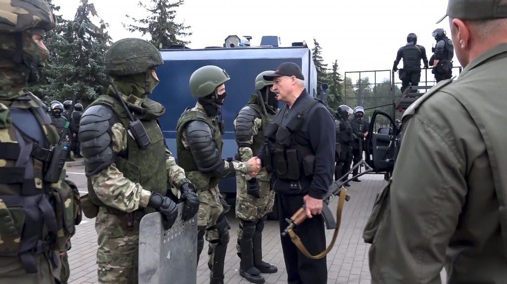 Lukašenkova pomsta. Na hranice nám zváža migrantov z Iraku a Sýrie, tvrdí Litva