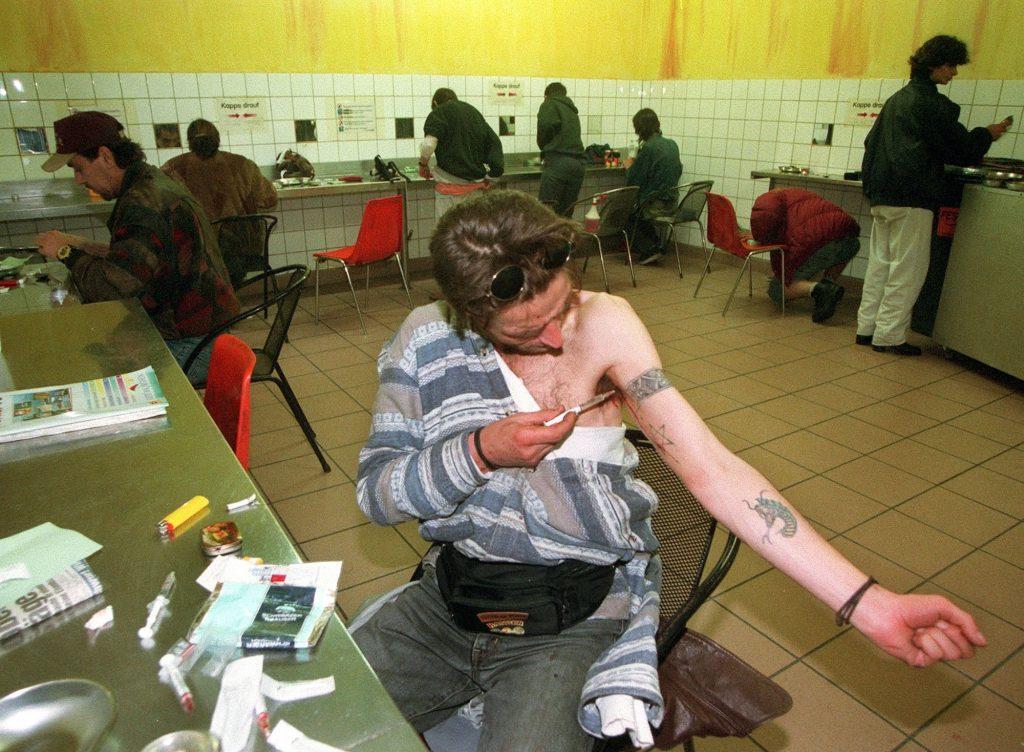 Miesta, kde by sa dali brať drogy. V Česku ich chce presadiť Pirátska strana, ktorá môže vyhrať voľby