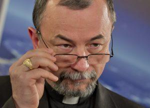 Arcibiskup Cyril Vasiľ podporil Záborskej novelu. Vminulosti eliminovali ľudí plynom, dnes je na to tabletka, hovorí