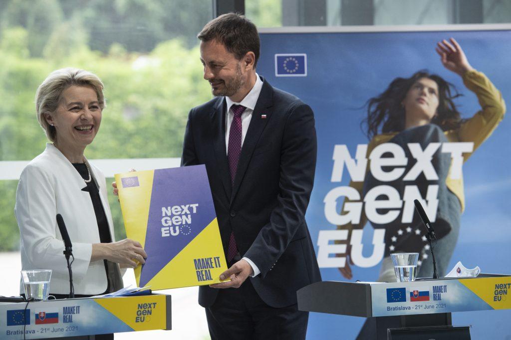 Von Leyenová dala v Bratislave zelenú plánu obnovy: Som šťastná, je v ňom veľa kvality