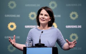 Stiahne sa nádejná zelená kancelárka ešte pred voľbami?