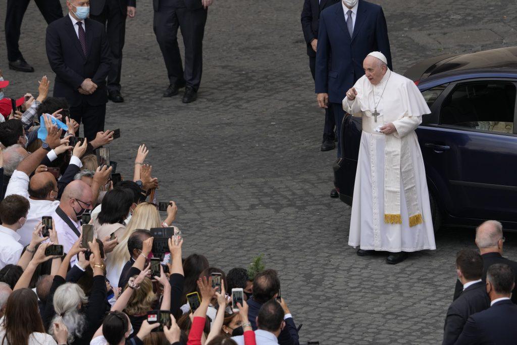 Pápežov týždeň: Chudobných netreba počítať, treba ich objať