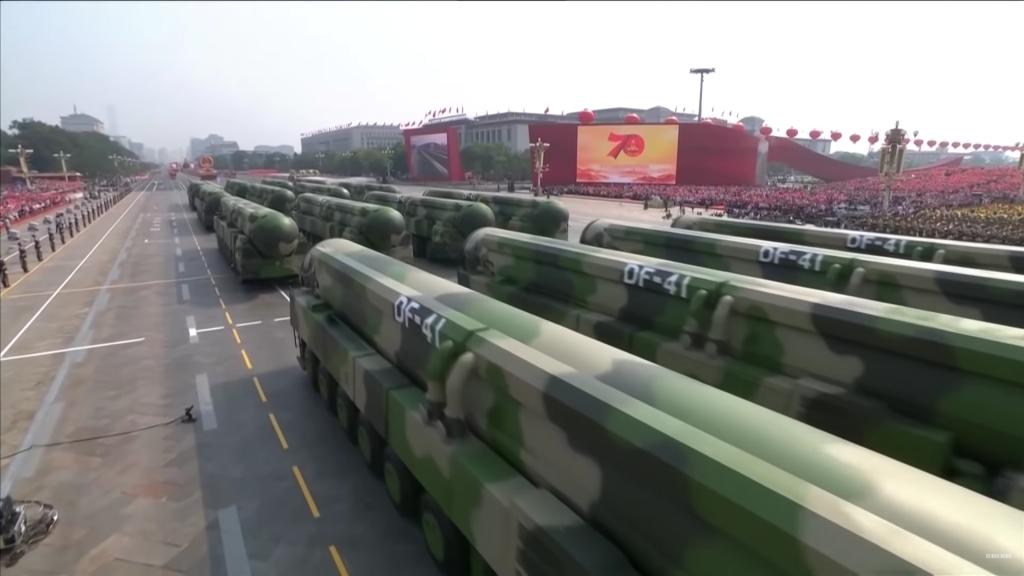 Čínska vládna strana posiela cez noviny odkaz Spojeným štátom: Ideme posilňovať jadrový arzenál